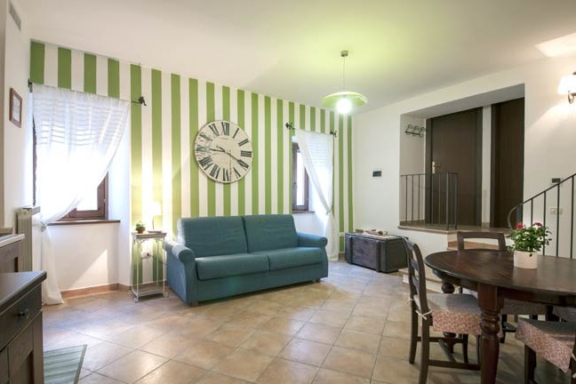 Spello offers last minute apartments in Umbria, last minute rooms Spello